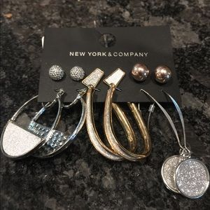 New York & Company 6 pair Earrings Sparkly 💙